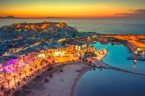 rethymnon-kreta-strand-centrum-haven