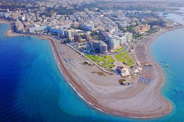 stranden-rhodos-stad-vakantiebestemming-griekenland