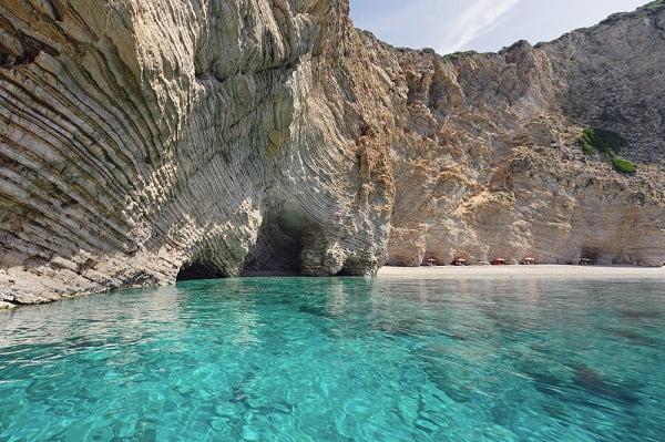 stranden-paleokastritsa-corfu-mooie-vakantiebestemming