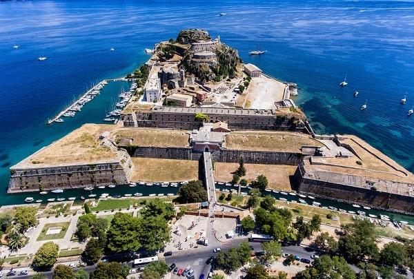 corfu-hoofdstad-kerkyra-bezienswaardigheden-zien